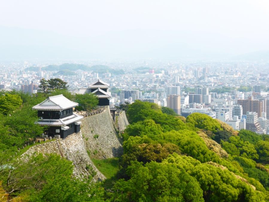 Matsuyama & Temple Ishite – 松山 &石手寺